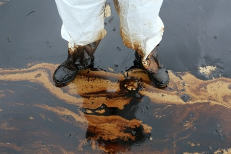 crude oil spill worker