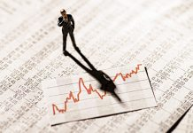 investor on stock market rally chart