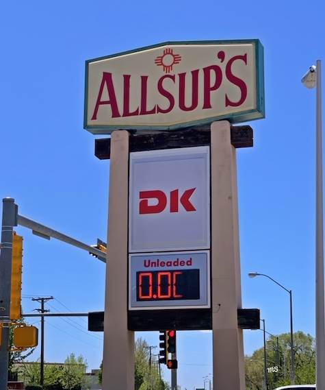 oil and gas price decline signs economy image